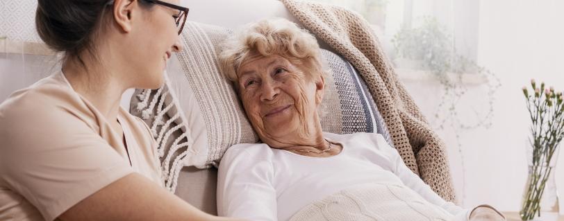 Pflegerin zuhause die Alternative zum Pflegeheim